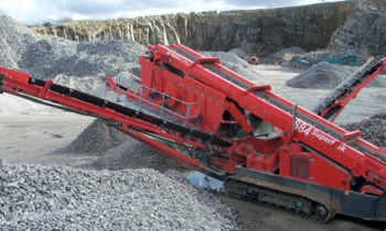 CroppedImage350210-Terex-Finlay-Inclined-684-2deck.jpg